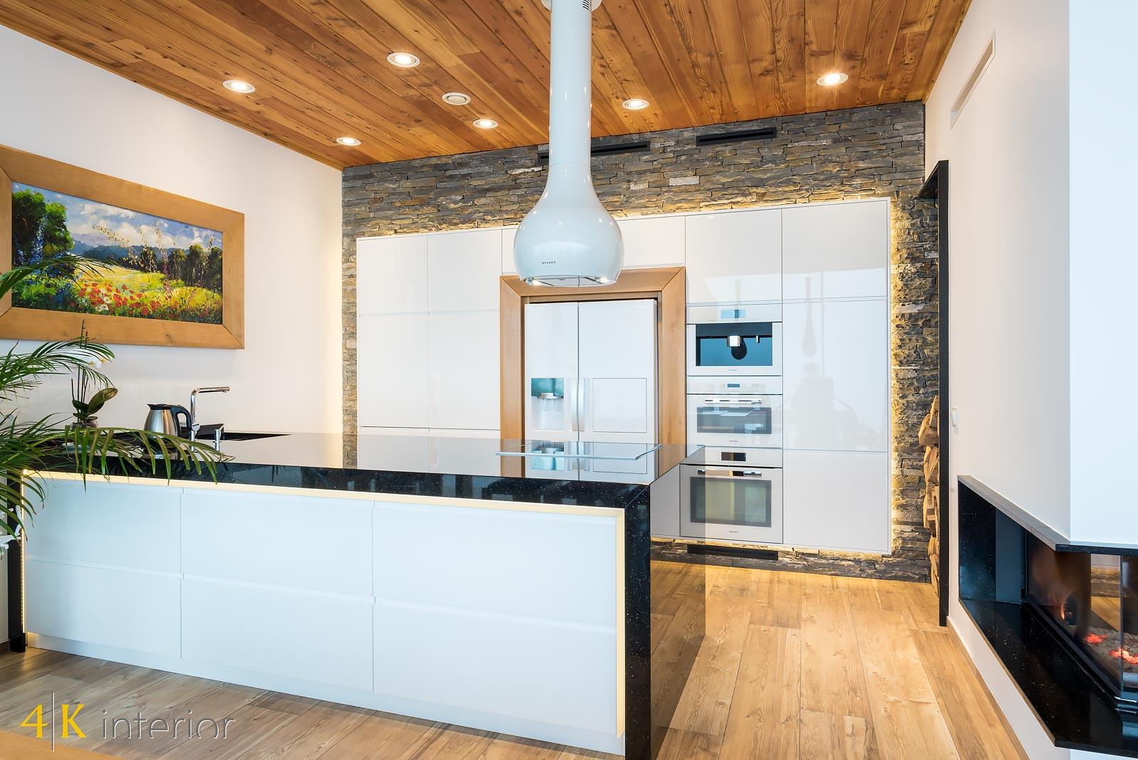 Dom-z-góralskim-charakterem-2 kuchnia z dużą wyspą n